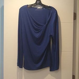 Tahari top with flared long sleeves
